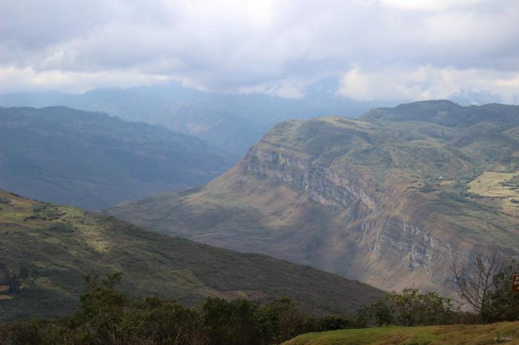 Vue sur la vallée depuis Kuelap