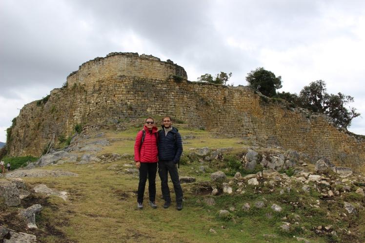 Devant la muraille de Kuelap