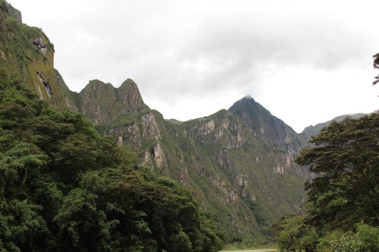 Machu Picchu vue de la vallée Urubamba