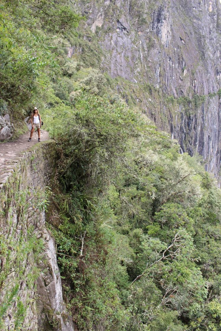 Chemin menant au pont de l'inca