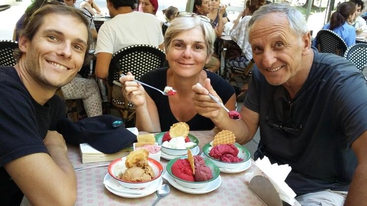 Les glaces de Emporio la Rosa avec Flav et ses parents