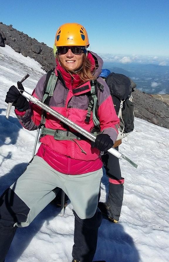 Equipée comme une alpiniste
