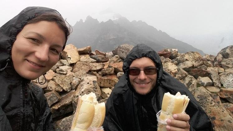 Trop sympa le sandwich sous la pluie