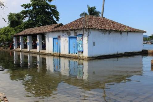Les ruelles inondées pendant la marée haute