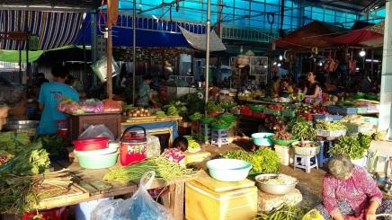 Le marché matinal de Chau Doc