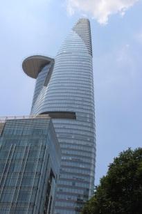 La tour Bitexco et son héliport
