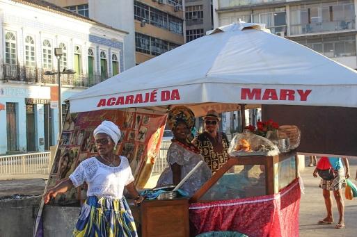 Les bahianaises vendent des acarajés