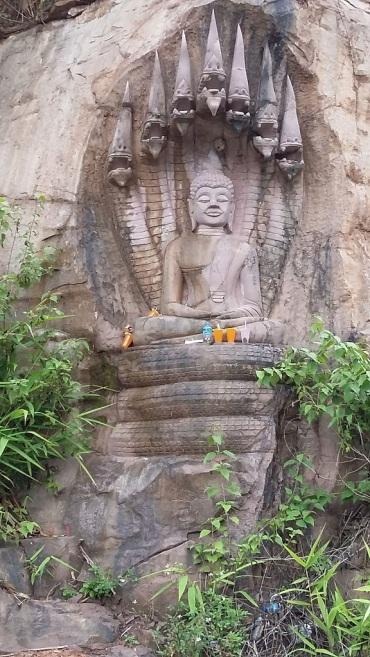 Bouddha et le naga