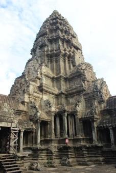 L'une des fameuses tours d'Angkor Vat