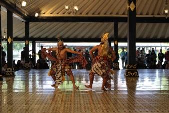 Des danseurs javanais