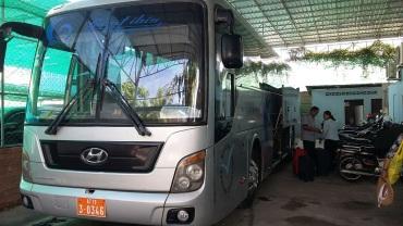 Notre beau bus pour Siem Reap!